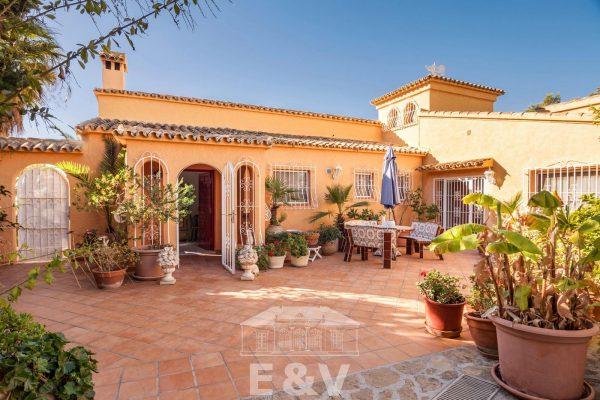 69151158 2340733 foto 522992 600x400 - Moraira, un paraíso mediterráneo del que podrás disfrutar al máximo con esta fantástica villa