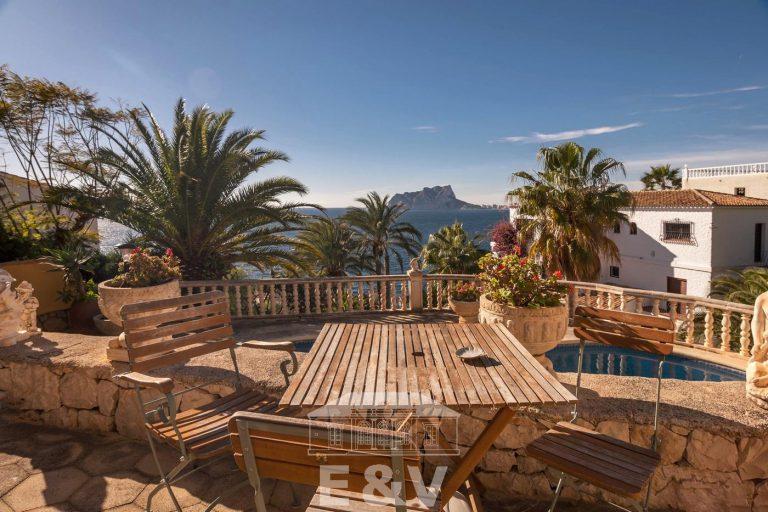 Moraira, un paraíso mediterráneo del que podrás disfrutar al máximo con esta fantástica villa