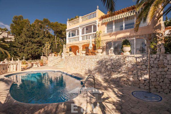 69151158 2340733 foto 816286 600x400 - Moraira, un paraíso mediterráneo del que podrás disfrutar al máximo con esta fantástica villa