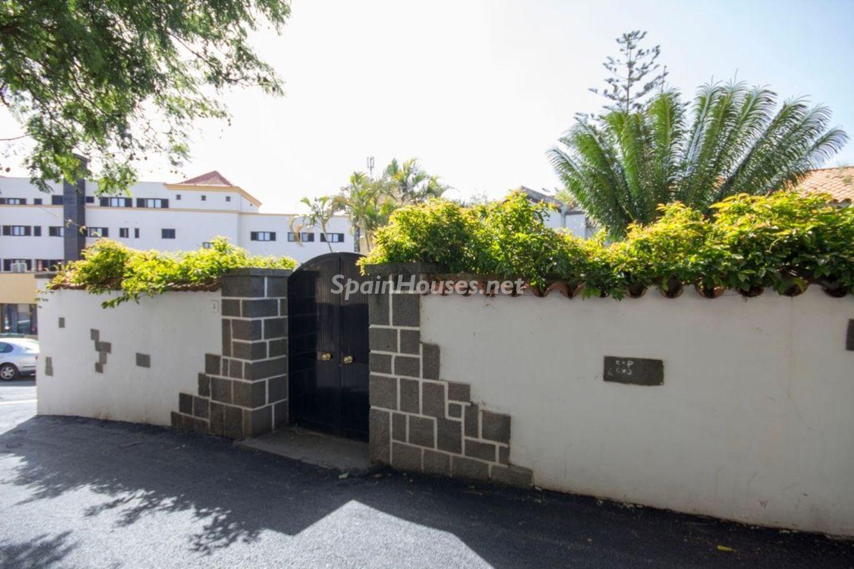 69245670 2955173 foto 811901 - Arquitectura singular de la posguerra del arquitecto Jose Enrique Marrero Regalado en Santa Brigida (Islas Canarias)