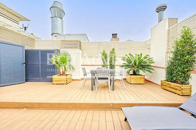 69737784 6676577 foto 217519 - Este precioso ático de lujo en Barcelona puede ser tu próximo hogar en la Ciudad Condal