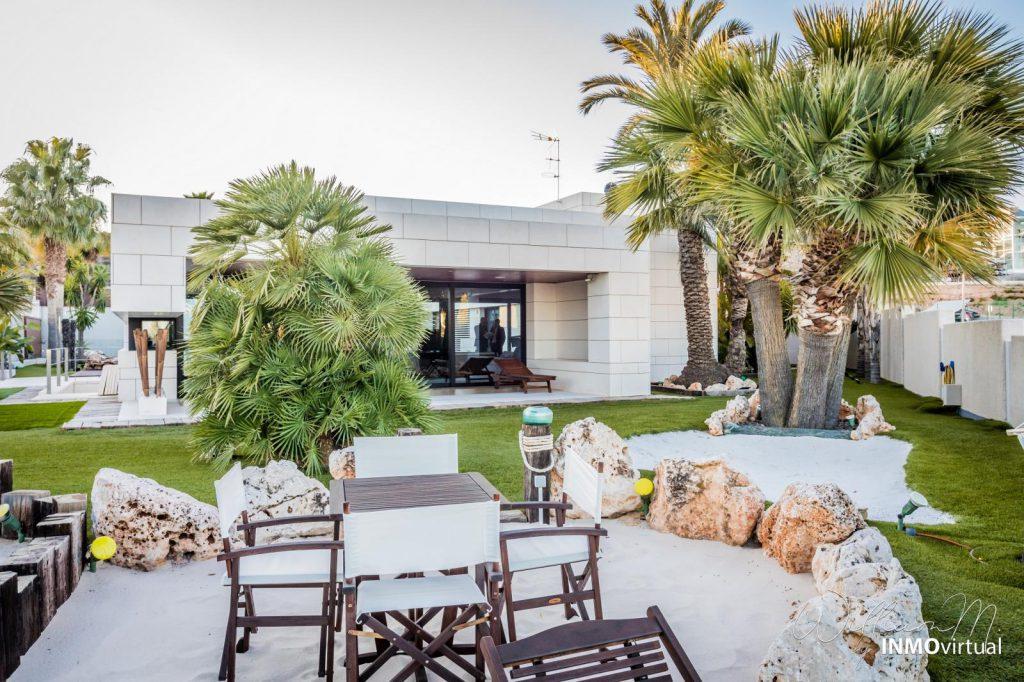 69739038 2311171 foto73949302 1024x682 - Diseño de resort de lujo en este majestuoso y moderno chalet independiente en El Puntal (Murcia)