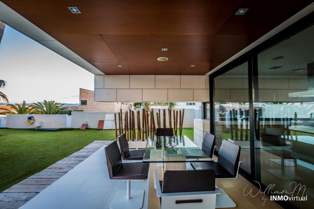 69739038 2311171 foto73949304 1024x682 - Diseño de resort de lujo en este majestuoso y moderno chalet independiente en El Puntal (Murcia)