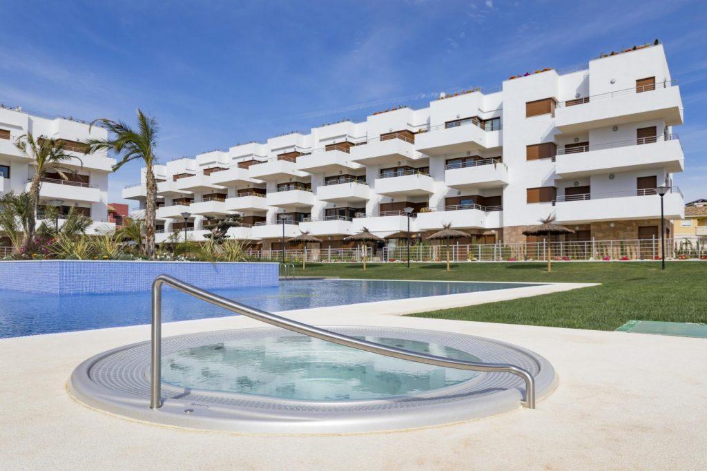 69739038 2958106 foto110601994 1024x682 - Una oportunidad de oro en este precioso apartamento bajo (Orihuela)