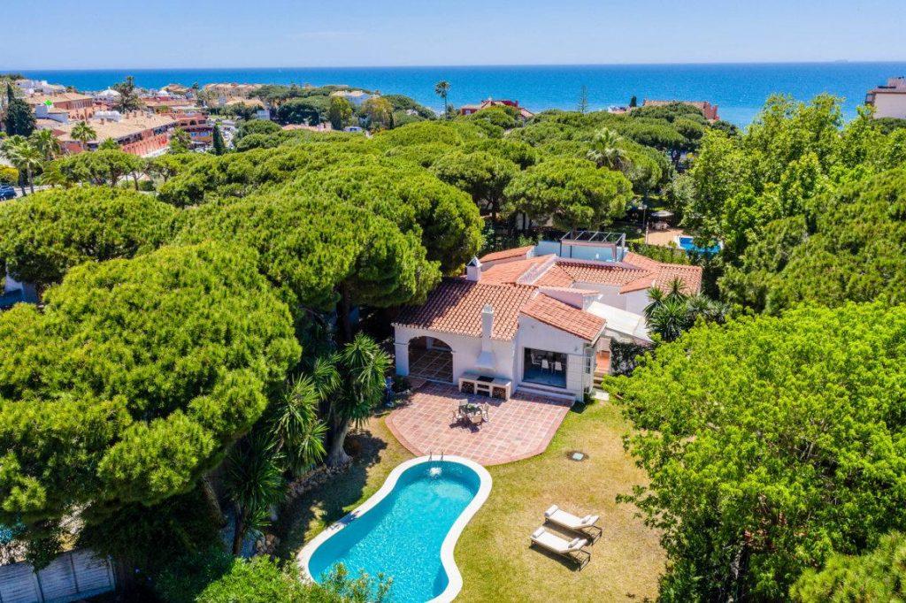 70475951 2989781 foto 693825 1024x682 - Una preciosa villa veraniega en Mijas Costa (Málaga)