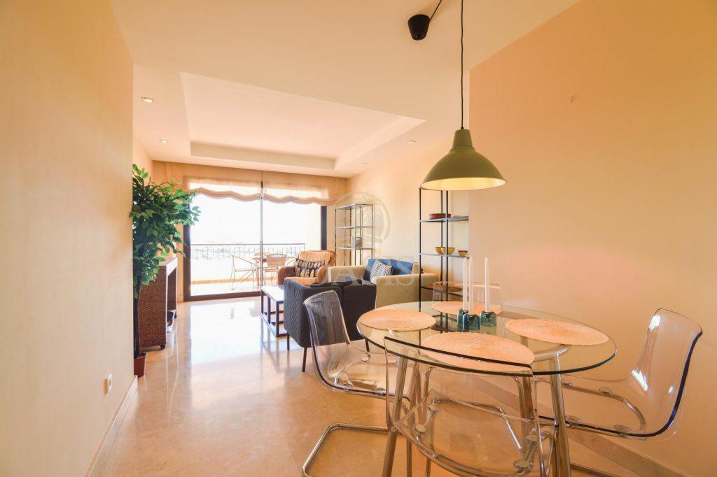 70883400 2539761 foto88256204 1024x682 - Lujo a precio de ocasión en este piso en San Pedro de Alcántara, Marbella