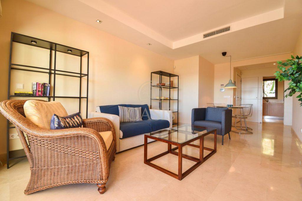 70883400 2539761 foto88256208 1024x682 - Lujo a precio de ocasión en este piso en San Pedro de Alcántara, Marbella