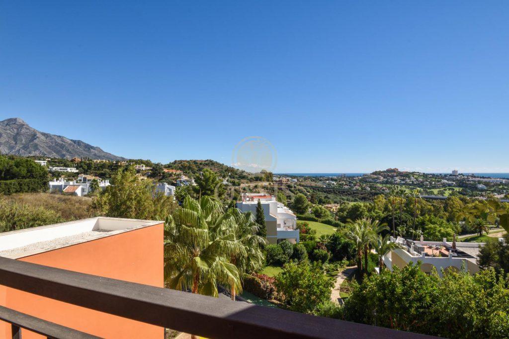 70883400 2539761 foto88256209 1024x682 - Lujo a precio de ocasión en este piso en San Pedro de Alcántara, Marbella