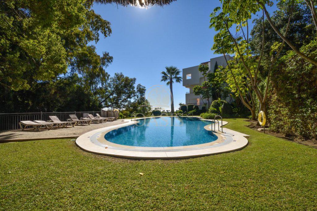 70883400 2539761 foto88256232 1024x682 - Lujo a precio de ocasión en este piso en San Pedro de Alcántara, Marbella