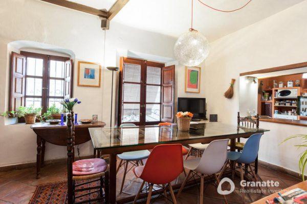 70910415 2474014 foto83077570 600x400 - Vivir en una joya arquitectónica con vistas a la Alhambra (Granada)