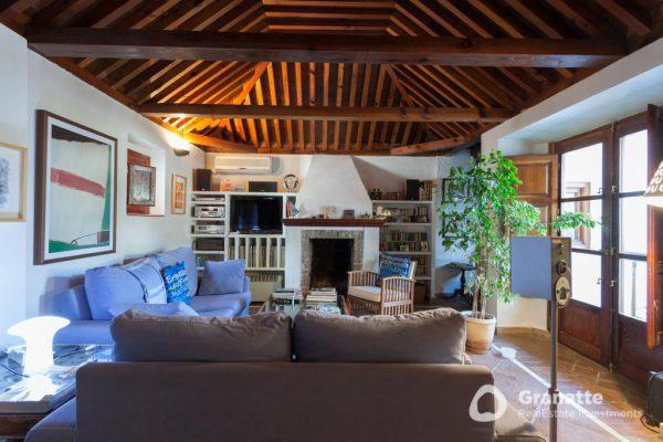70910415 2474014 foto83077699 600x400 - Vivir en una joya arquitectónica con vistas a la Alhambra (Granada)