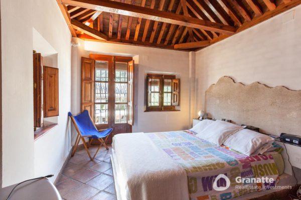 70910415 2474014 foto83077738 600x400 - Vivir en una joya arquitectónica con vistas a la Alhambra (Granada)