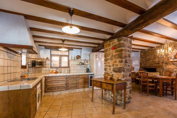71532983 2478205 foto 193178 600x400 - Descubre el paraíso natural único que rodea esta preciosa casa rural en el corazón del Pre-Pirineo