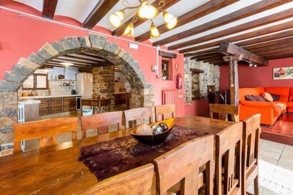 71532983 2478205 foto 437790 600x400 - Descubre el paraíso natural único que rodea esta preciosa casa rural en el corazón del Pre-Pirineo