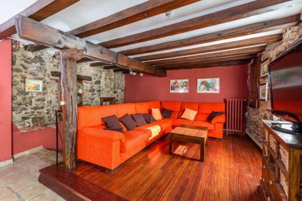 71532983 2478205 foto 460857 600x400 - Descubre el paraíso natural único que rodea esta preciosa casa rural en el corazón del Pre-Pirineo