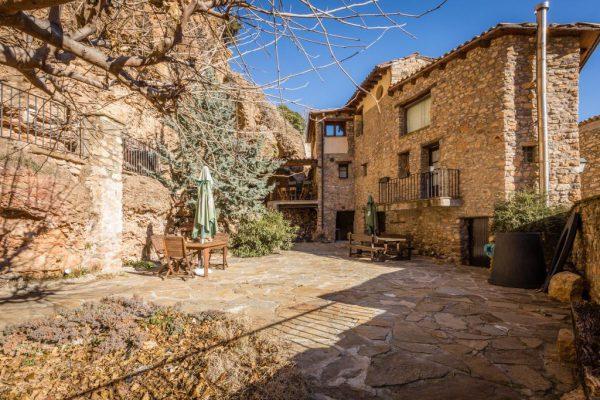 71532983 2478205 foto 498049 600x400 - Descubre el paraíso natural único que rodea esta preciosa casa rural en el corazón del Pre-Pirineo