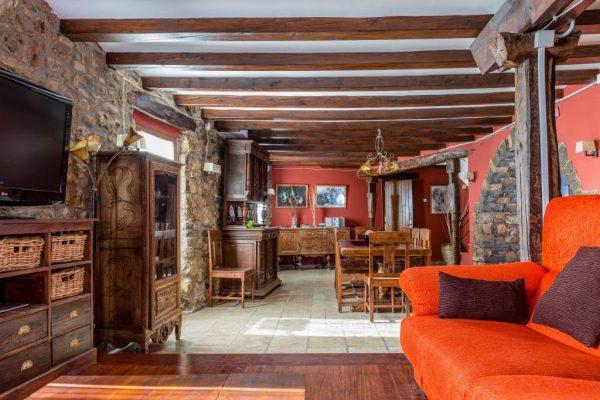 71532983 2478205 foto 519992 600x400 - Descubre el paraíso natural único que rodea esta preciosa casa rural en el corazón del Pre-Pirineo