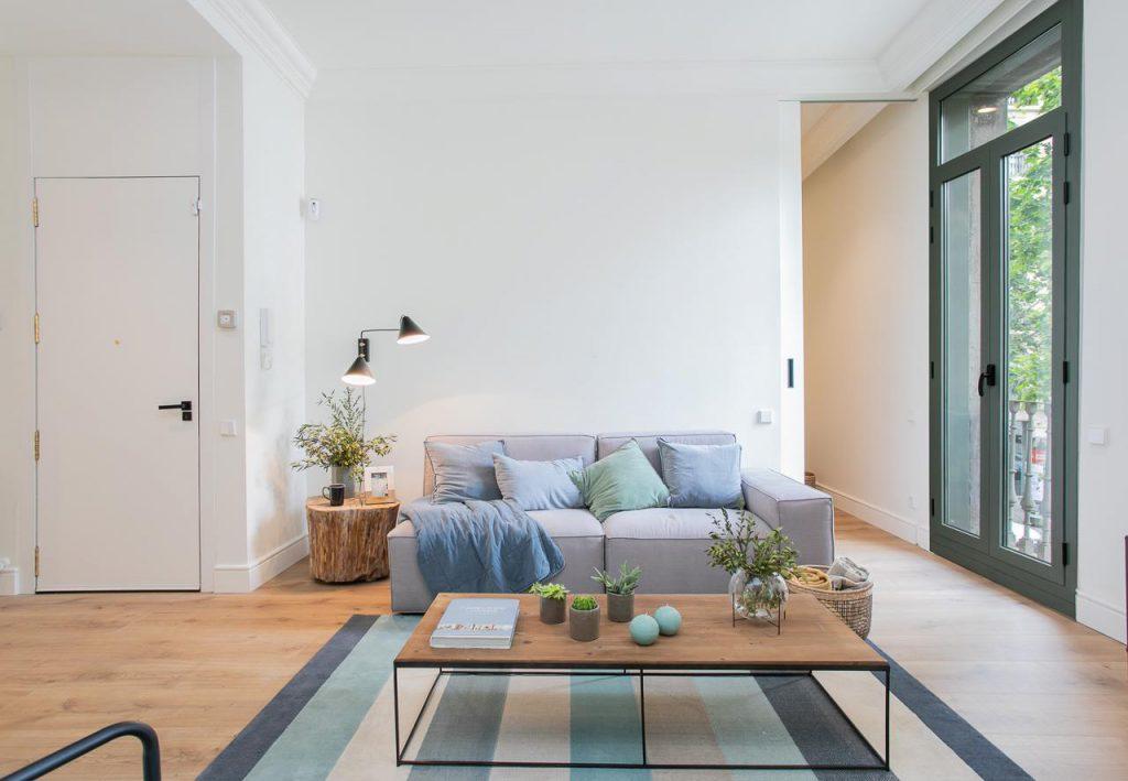 71836161 2505148 foto105793896 1024x709 - Estilo soft en un precioso piso lleno de luz y detalles en Dreta de l'Eixample (Barcelona)