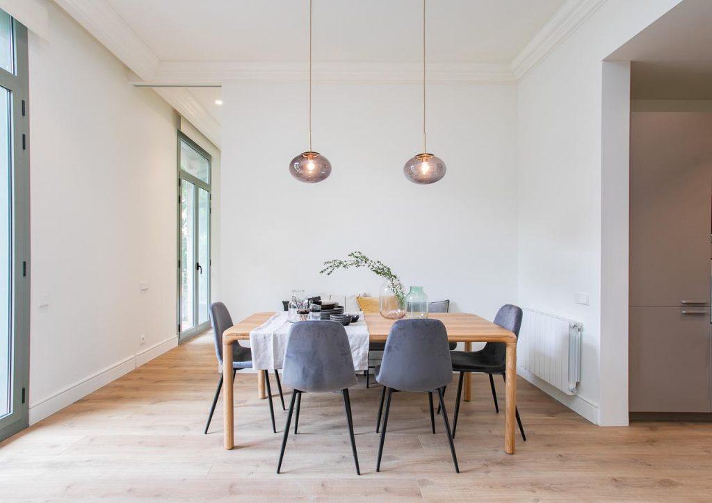 71836161 2505148 foto105793899 1024x724 - Estilo soft en un precioso piso lleno de luz y detalles en Dreta de l'Eixample (Barcelona)