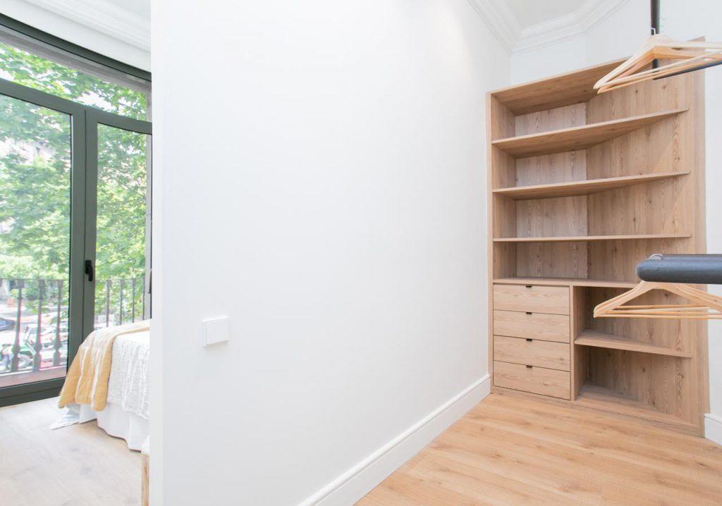 71836161 2505148 foto105793913 1024x718 - Estilo soft en un precioso piso lleno de luz y detalles en Dreta de l'Eixample (Barcelona)