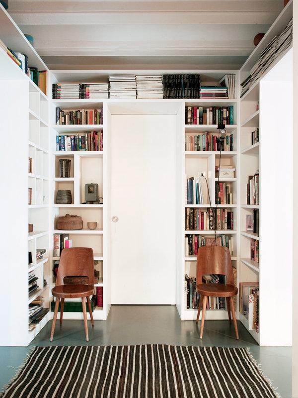 719 - Toque cosmopolita y un patio interior encantador en un piso en el Gòtic de Barcelona