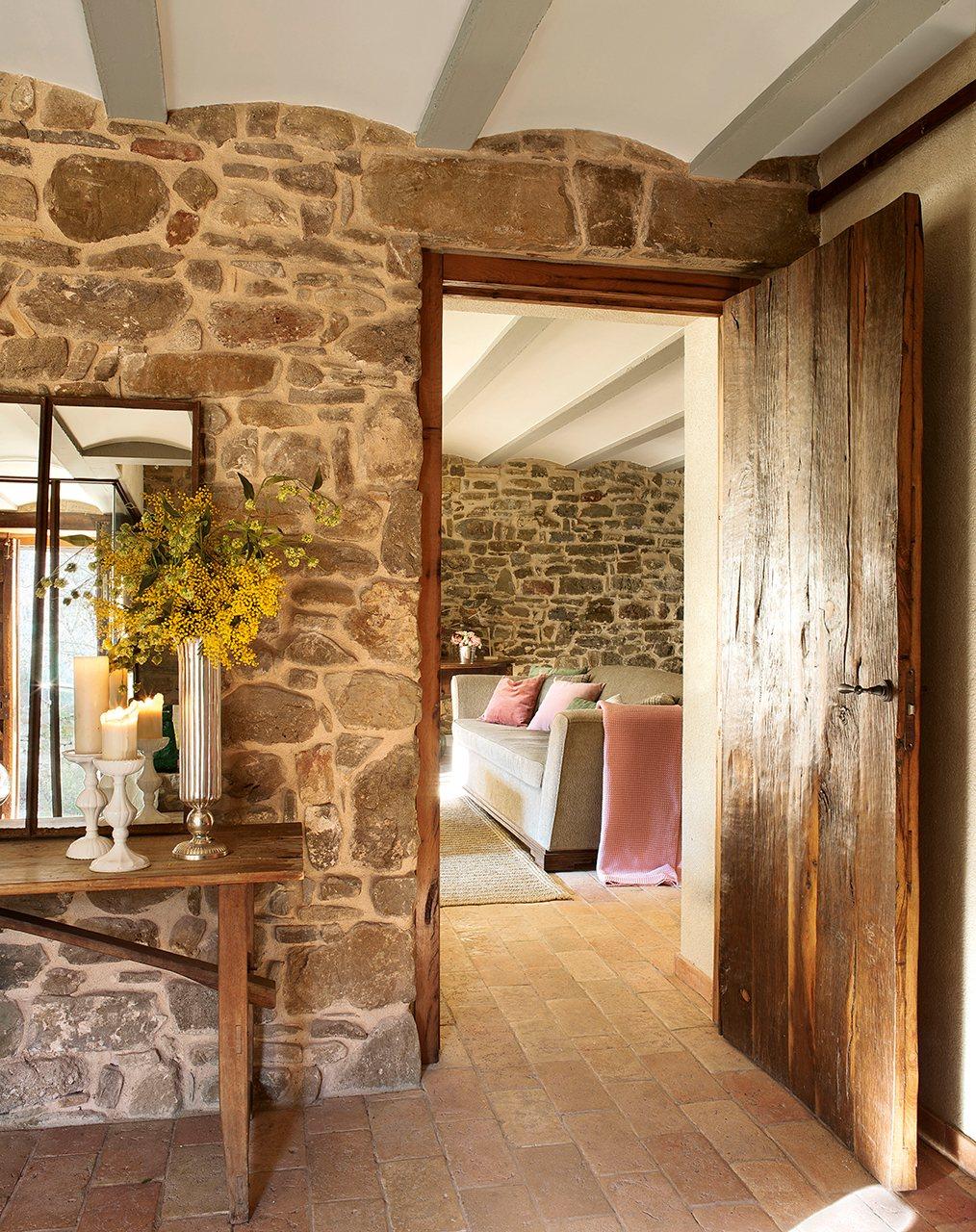 Masía del s. XVI reconvertida en espectacular casa rural en La Garroxta, Girona