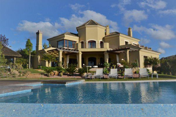 72294508 2589844 foto 871744 600x400 - Espectacular casa llena de elegancia y lujo en Jerez de la Frontera (Cádiz)