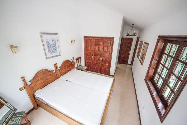 72680830 2637943 foto 028176 600x400 - Fantástica casa con piscina cubierta y un hermoso jardín en San Miguel de Abona (Tenerife)