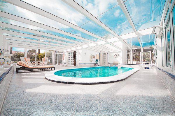72680830 2637943 foto 484899 600x400 - Fantástica casa con piscina cubierta y un hermoso jardín en San Miguel de Abona (Tenerife)