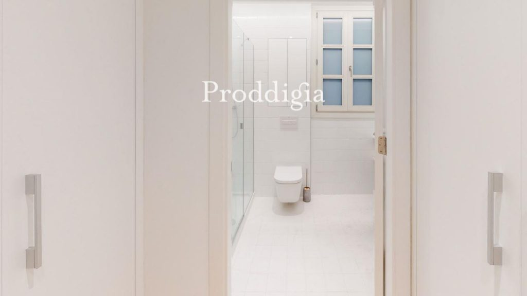 73414131 2737104 foto 689468 1024x576 - Si eres amante del mid-century moderno tu piso perfecto esta en Barcelona