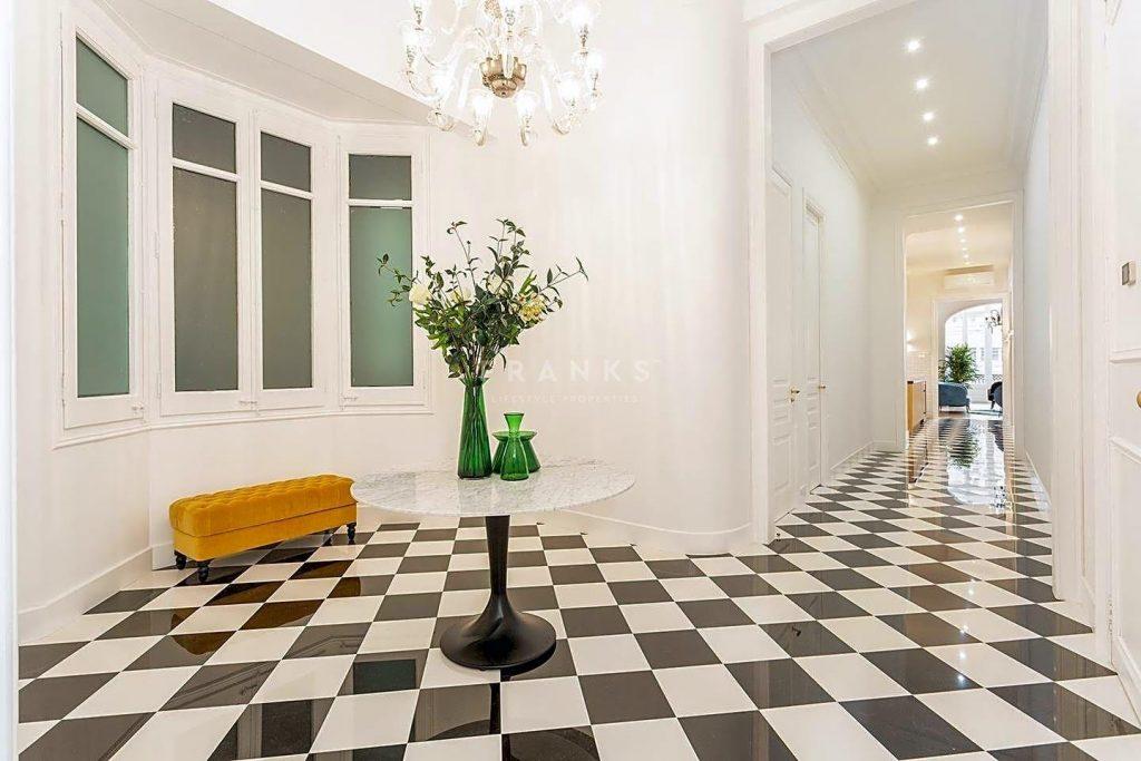 75089113 2918446 foto 036919 1024x683 - Apartamento de lujo y estilo Mid-Century Modern en L'Eixample Dreta (Barcelona)