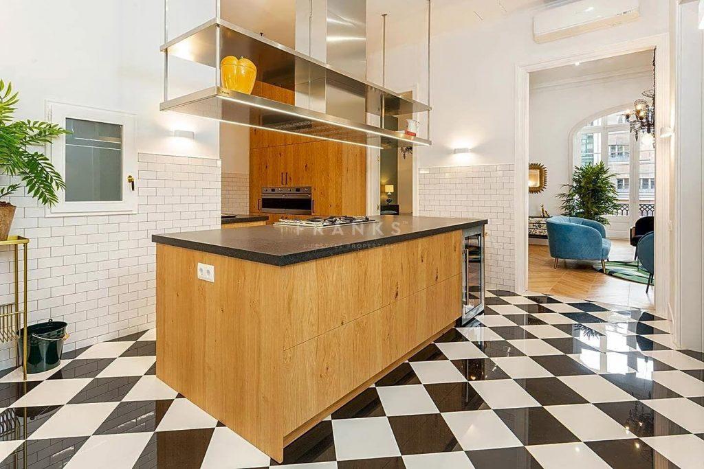 75089113 2918446 foto 642101 1024x683 - Apartamento de lujo y estilo Mid-Century Modern en L'Eixample Dreta (Barcelona)