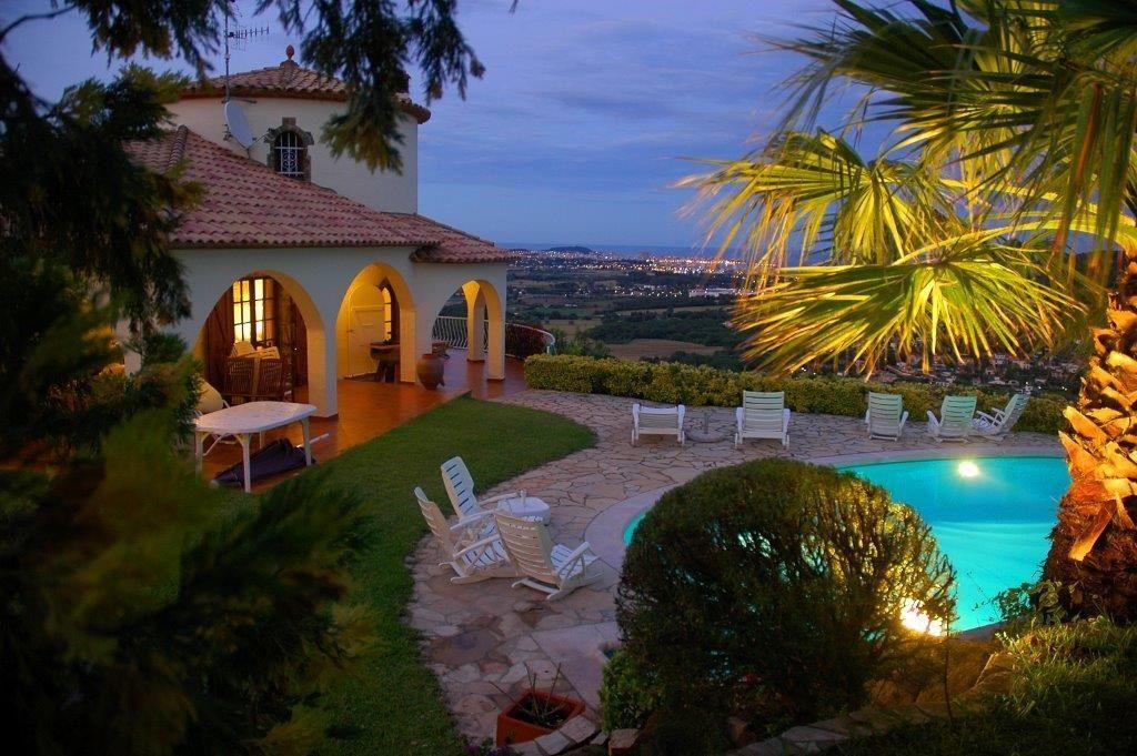 75284257 2929650 foto 739070 - Costa, precio y fusión de estilos protagonizan esta magnifica villa en Calonge (Girona)