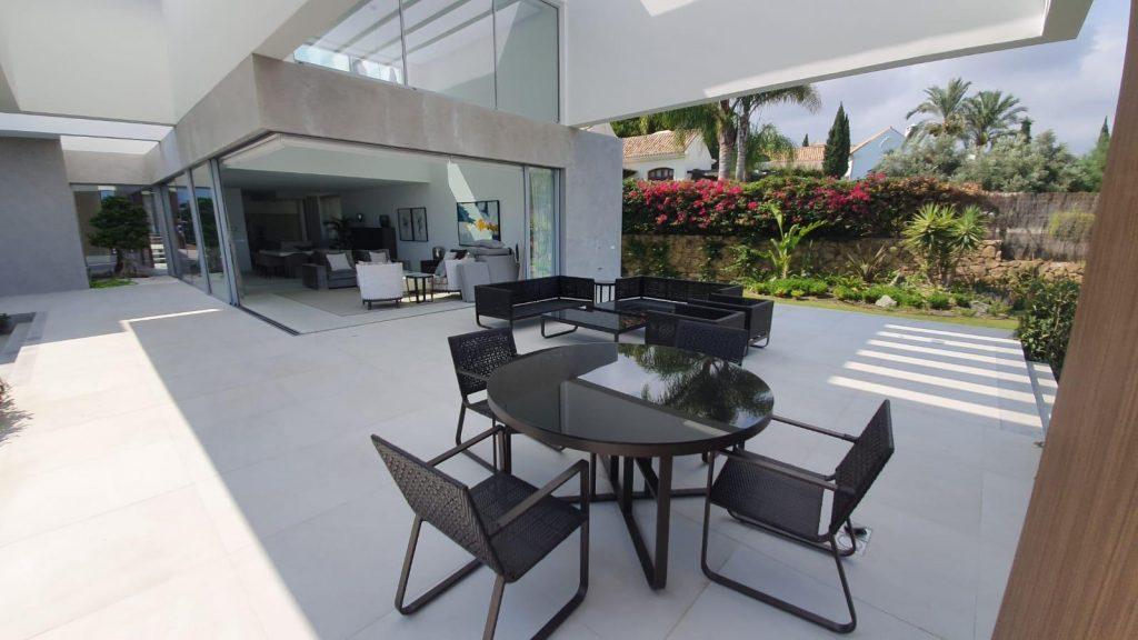 76019569 2978815 foto113332368 1024x576 - Puro diseño en esta villa en Nagüeles-Milla de Oro (Marbella)