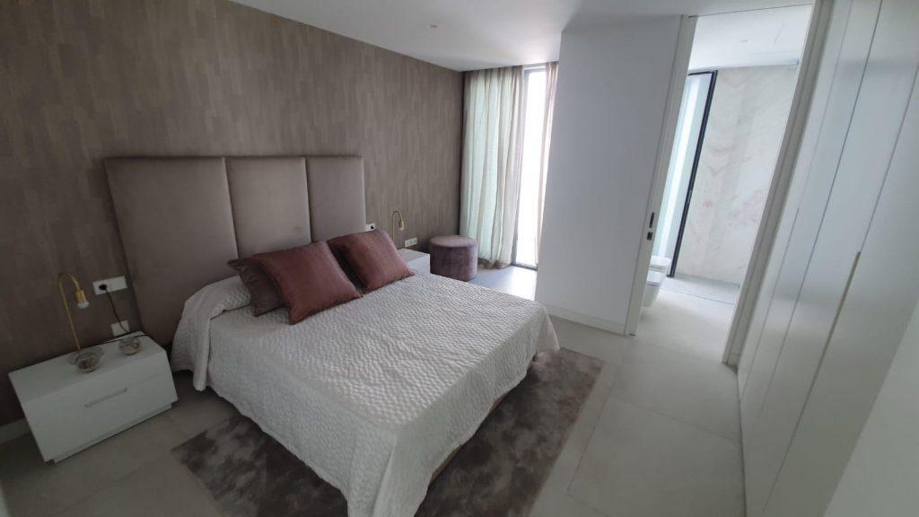 76019569 2978815 foto113332393 1024x576 - Puro diseño en esta villa en Nagüeles-Milla de Oro (Marbella)