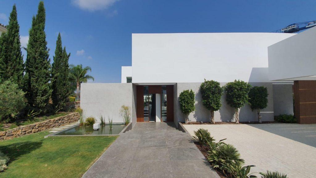 76019569 2978815 foto113332400 1024x576 - Puro diseño en esta villa en Nagüeles-Milla de Oro (Marbella)