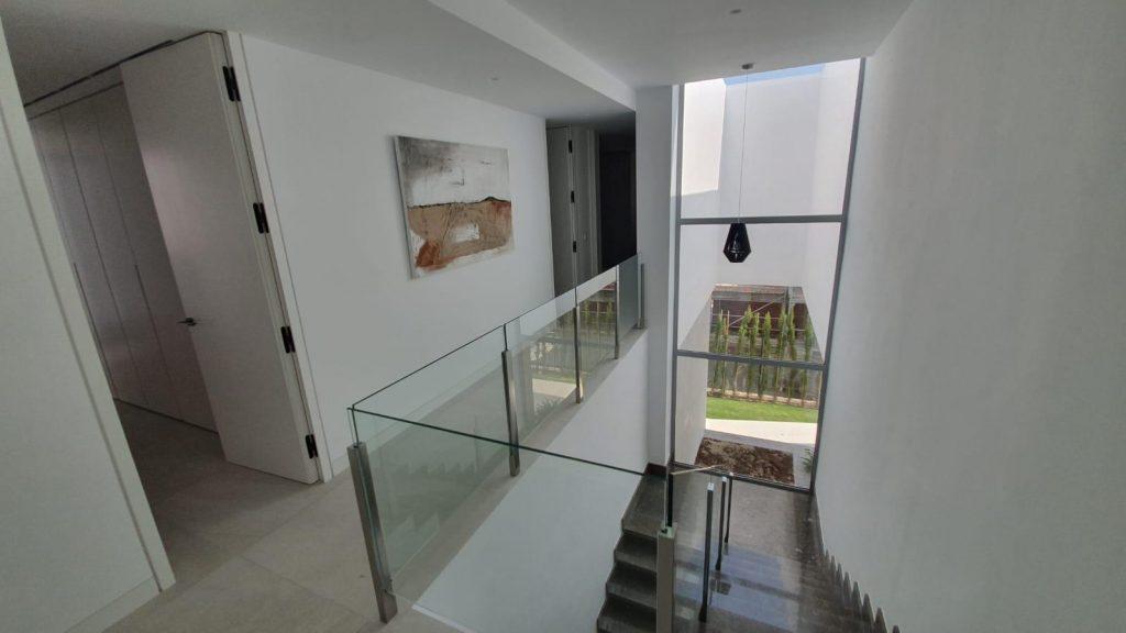 76019569 2978815 foto113332425 1024x576 - Puro diseño en esta villa en Nagüeles-Milla de Oro (Marbella)