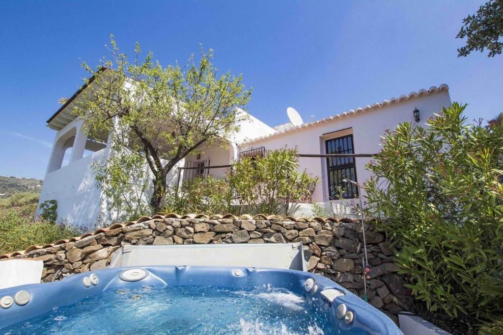 76232881 2977024 foto 302527 1024x683 - Naturaleza y fusión de estilos en un cortijo andaluz en Cómpeta (Málaga)