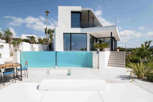 763282 1883886 foto54277707 600x398 - Una obra de arte moderno hecha casa en las Islas Baleares