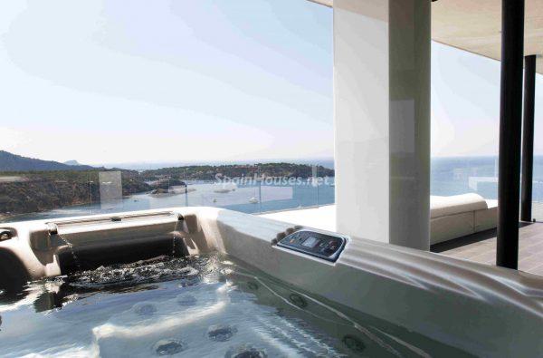 763282 1883886 foto54277723 600x395 - Una obra de arte moderno hecha casa en las Islas Baleares