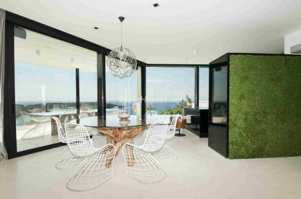 763282 1883886 foto54277729 600x396 - Una obra de arte moderno hecha casa en las Islas Baleares