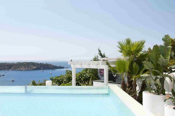 763282 1883886 foto54277754 600x398 - Una obra de arte moderno hecha casa en las Islas Baleares