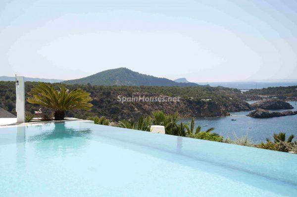 763282 1883886 foto54277755 600x398 - Una obra de arte moderno hecha casa en las Islas Baleares