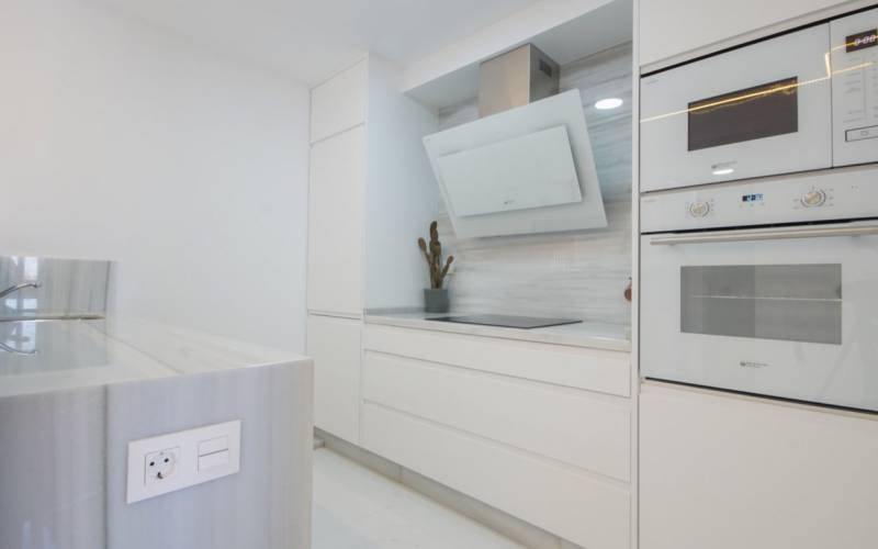 76836 lg - Moderno y sofisticado apartamento a la orilla del mar en Playa del Cura (Torrevieja)