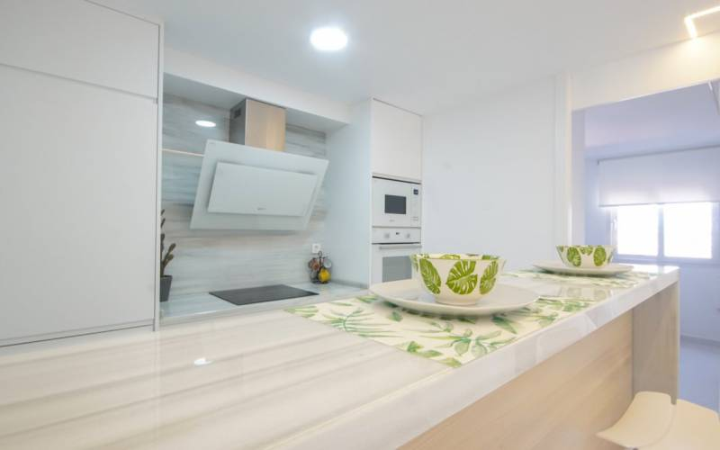 76838 lg - Moderno y sofisticado apartamento a la orilla del mar en Playa del Cura (Torrevieja)