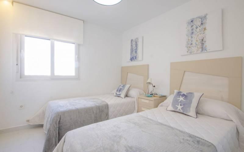 76841 lg - Moderno y sofisticado apartamento a la orilla del mar en Playa del Cura (Torrevieja)