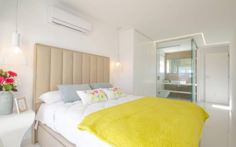 76858 lg - Moderno y sofisticado apartamento a la orilla del mar en Playa del Cura (Torrevieja)