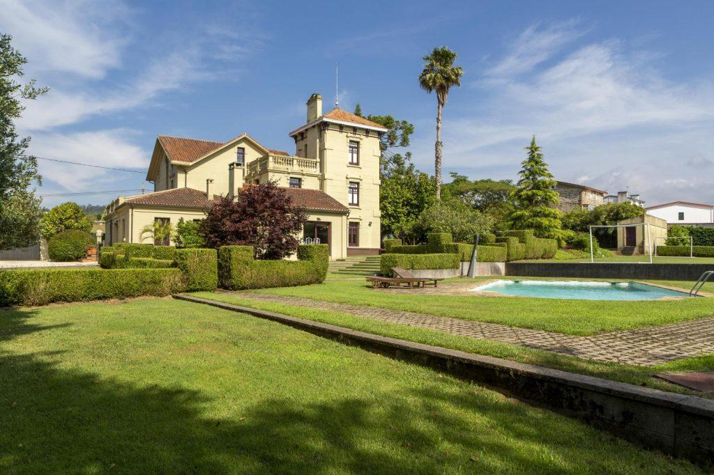 76867557 3000938 foto116120838 1024x682 - Villa Frayán, una casa indiana con historia y mucho encanto en Cabanas (La Coruña)