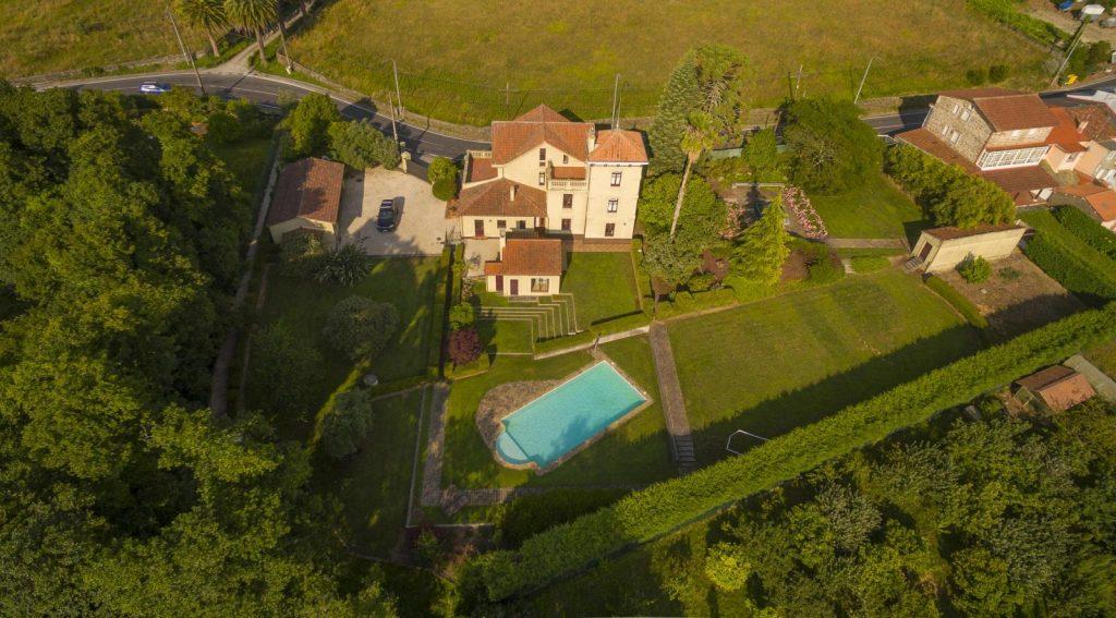 76867557 3000938 foto116120852 1024x567 - Villa Frayán, una casa indiana con historia y mucho encanto en Cabanas (La Coruña)