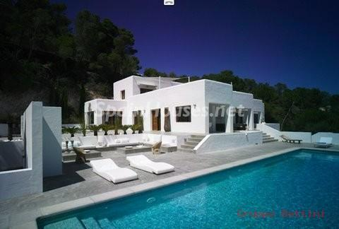 772802 53807 18 - Ibiza. Pure Paradise For Sale